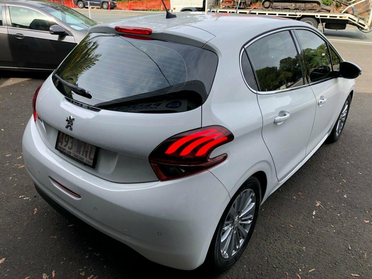2015 Peugeot 208 Allure Hatchback